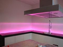 Industriele keuken: glasplaat verlichting ikea